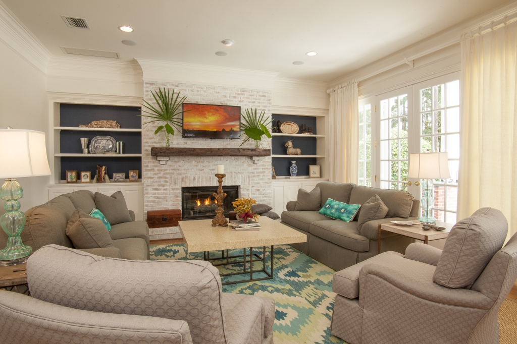 blue and turquoise family rooms